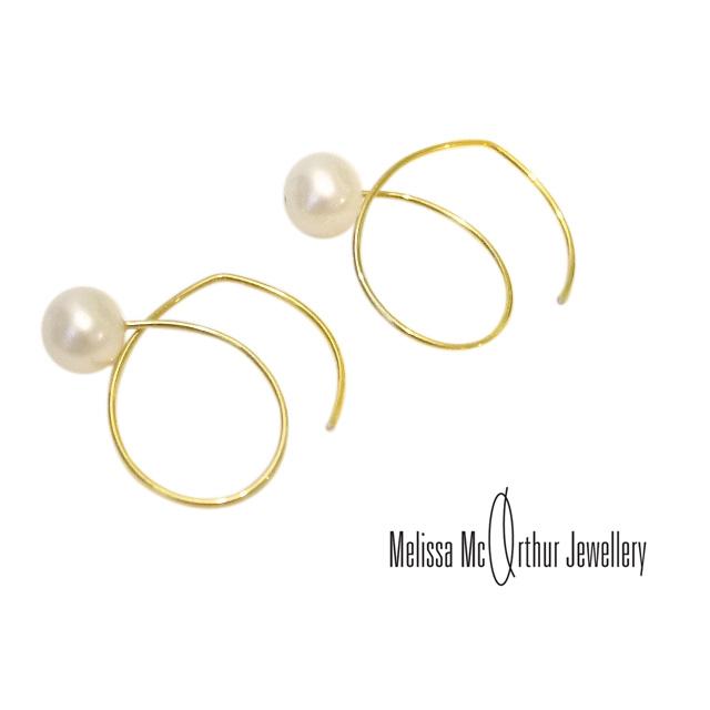 Melissa Mcarthur Jewellery ロンドン発ワイヤージュエリー22kゴールド 淡水パールピアス メリッサマッカーサージュエリー